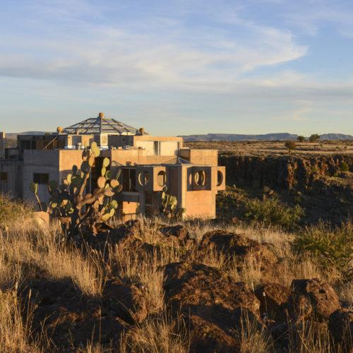 Tourisme : Arcosanti, une utopie architecturale en plein désert américain