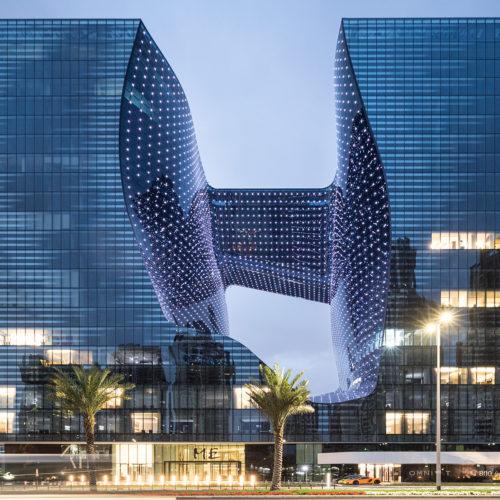 Dubai : Le seul hôtel entièrement dessiné par Zaha Hadid ouvre ses portes